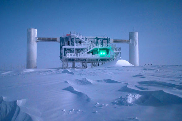 photo of the Project IceCube facility in Antarctica