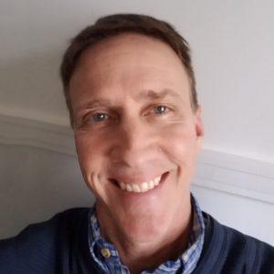 Headshot Mitch Lundquist